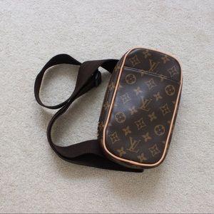 Faux Louis Vuitton crossbody bag